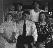 мормон с четырьмя из пяти своих жен